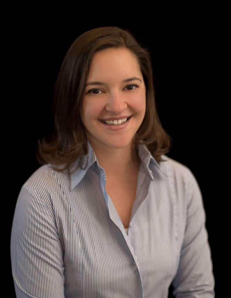 Danielle Miller Headshot